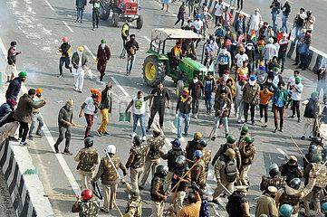 INDIEN-NEW DELHI-kollidiert