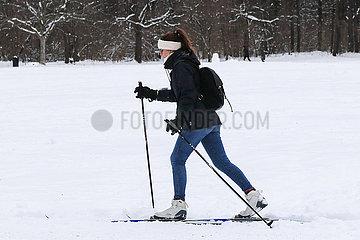 DEUTSCHLAND-München-SNOW