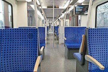 fast leere S-Bahn