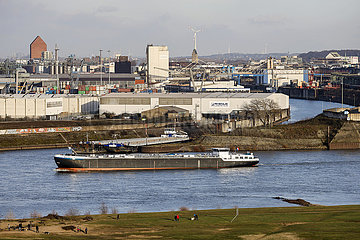 Hafen Duisburg am Rhein  Nordrhein-Westfalen  Deutschland