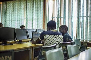 MALAWI-BLANTYRE-COVID-19-Online-Lernen