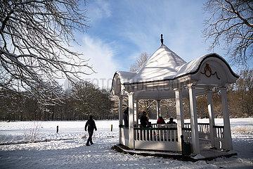 Deutschland  Bremen - Pavillon im Buergerpark  der traditionell von Spendengeldern finanziert wird