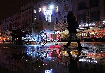 Krakau  Polen  Spruch an einer Hauswand: Make Humus Not War