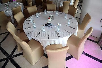 Doha  Katar  gedeckter runder Tisch