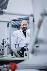 FFP2-Masken Produktion bei Sentias  Geschaeftsfuehrer Christian Vorbau  Wuppertal  Nordrhein-Westfalen  Deutschland