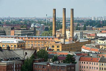 Berlin  Deutschland - Dachlandschaft in Berlin-Oberschoeneweide mit Blick auf die HTW und das ehemalige Kabelwerk Oberspree