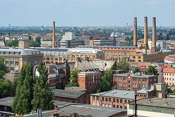 Berlin  Deutschland - Dachlandschaft in Berlin-Oberschoeneweide mit Blick auf die HTW Berlin und das ehemalige Kabelwerk Oberspree