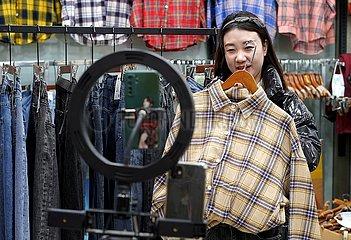 CHINA-HEBEI-BAODING-LUNAR NEW YEAR-Online-Einkauf (CN)
