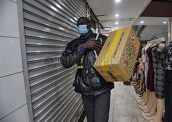 KENIA-NAIROBI-COVID-19-DELIVERY ARBEITNEHMER