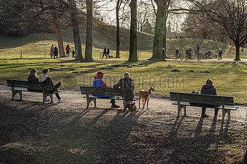 Nachmittag im Englischen Garten  Muenchen  Februar 2021