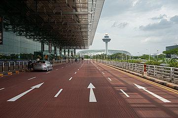 Singapur  Republik Singapur  Vorfahrt zum Terminal 3 am internationalen Flughafen Changi