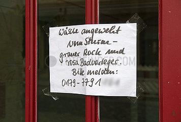 Dresden  Deutschland - Nachbarschaftshilfe nach einem Sturm