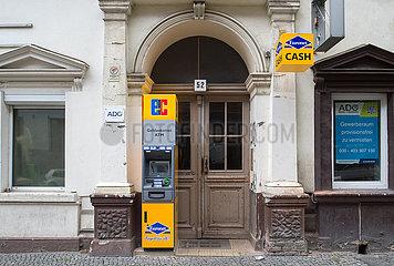 Berlin  Deutschland - Geldautomat von ATM in einem Hauseingang