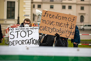 Demo gegen Abschiebungen nach Afghanistan