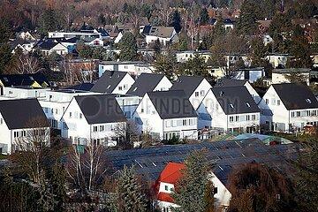 Einfamilienhaussiedlung mit Solarpark