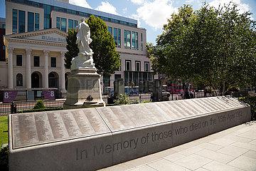 Grossbritannien  Nordirland  Belfast - The Titanic Memorial Garden  auf dem Gelaende von City Hall am Donegall Square