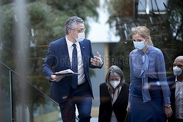 Prof. Lothar H. Wieler  Sandra Ciesek - Coronavirus