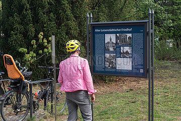 Berlin  Deutschland - Alter Luisenstaedtischer Friedhof am Suedstern