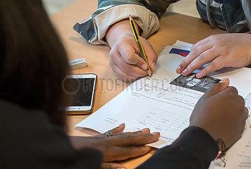 Berlin  Deutschland - Schulunterricht  Hausaufgaben und Nachhilfe