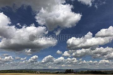 Ingelheim  Deutschland  Wolkenhimmel