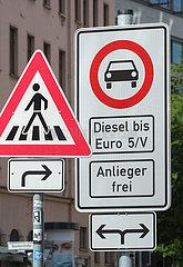 Berlin  Deutschland - Verkehrsschild Dieselfahrverbot