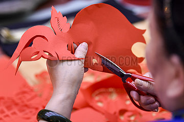 (VistaNingxia)CHINA-NINGXIA-YINCHUAN-INTANGIBLE CULTURAL HERITAGE-RED COLOR-CHINESE LUNAR NEW YEAR-CELEBRATION (CN)