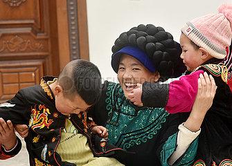 CHINA-SICHUAN-Liangshan-Wander- Mutter-SPRING Festival (CN)