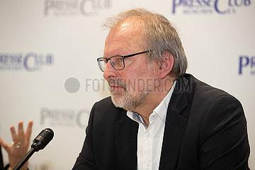 Pressekonferenz: Lehrervertreter Heinz-Peter Meidinger & Simone Fleischmann