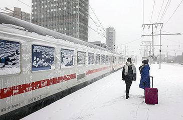 Wintereinbruch  Bahnhof Essen  Essen  Nordrhein-Westfalen  Deutschland