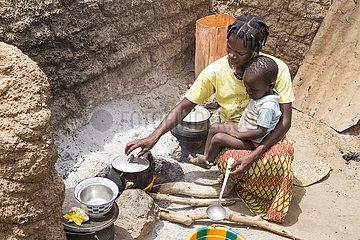 Thema Zwangsehe und Kinderheirat