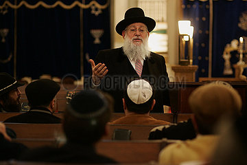 Rabbi Ehrenberg holds a sermon