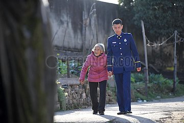 (FOCUS) CHINA-JIANGXI-Fenyi County-Wedding FOTOS OMA (CN)