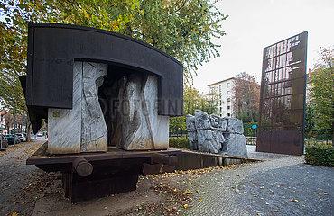 Berlin  Deutschland - Mahnmal Flammenwand in der Levetzowstrasse in Berln-Moabit