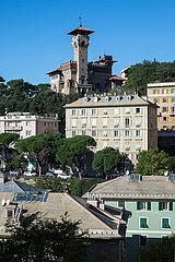 Genua  Italien - Wohnbebauung im Zentrum von Genua mit Blick zum Castello Bruzzo