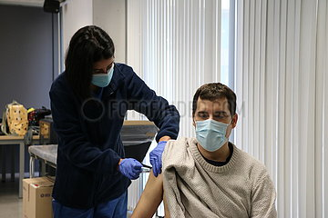 SPAIN-CATALONIA-COVID-19-SCHOOL STAFF-VACCINATION