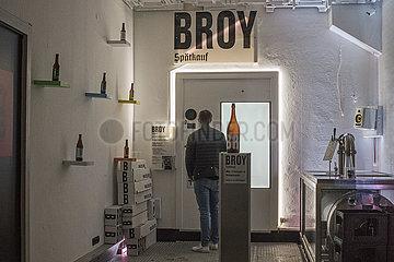 Broy Spaetkauf  kontaktloser Bierverkauf per Automat  Spaeti  Muenchen  Februar 2021