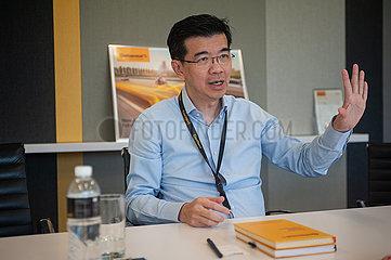 Singapur  Republik Singapur  Portrait Lo Kien Foh  Geschaeftsfuehrer von Continental Automotive Singapore Pte Ltd