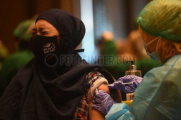 INDONESIA-TANGERANG-COVID-19-VACCINATION