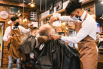 GERMANY-COLOGNE-COVID-19-HAIR SALON-REOPENING
