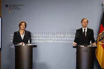 Pressekonferenz zum Thema: Halbzeit der Nationalen AlphaDekade