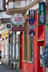 Deutschland  Bremen - Coronablues  geschlossene Gastronomie im Stadtteil Steintor