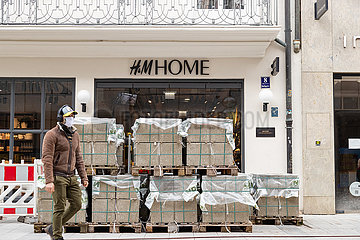 Umbauarbeiten vor H&M Home