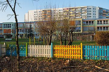Berlin  Deutschland - Blick in ein Neubaugebiet in Berlin-Hohenschoenhausen