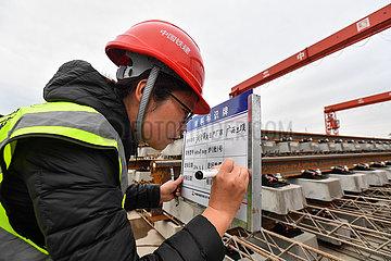 CHINA-GUANGDONG-GUANGZHOU-Metro-CONSTRUCTION-Frauen (CN)