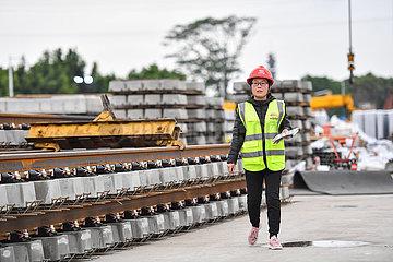 CHINA-GUANGDONG-GUANGZHOU-Metro-CONSTRUCTION-Frauen (CN) CHINA-GUANGDONG-GUANGZHOU-Metro-CONSTRUCTION-Frauen (CN)