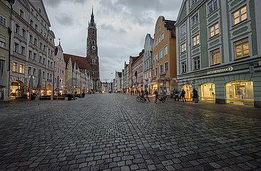 Geschaefte wieder offen  trotzdem leere Altstadt  Landshut  11.03.2021