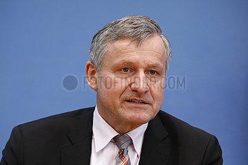 Bundespressekonferenz zum Thema: FDP- Auswirkungen der Landtagswahlen in Baden-Wuerttemberg und Rheinland-Pfalz auf die Bundespolitik