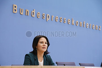 Bundespressekonferenz zum Thema: Buendnis 90/ die Gruenen - Auswirkungen der Landtagswahlen in Baden-Wuerttemberg und Rheinland-Pfalz auf die Bundespolitik