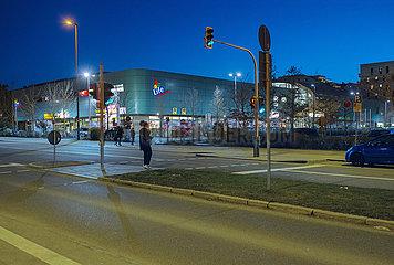 Einkaufszentrum Life  Muenchen-Neuperlach  12.03.2021