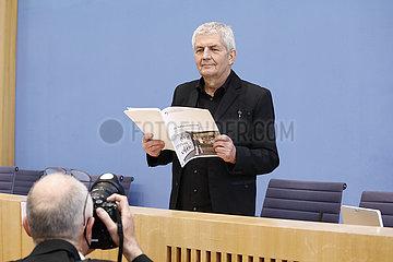 Bundespressekonferenz zum Thema: Vorstellung des 15. und letzten Taetigkeitsberichtes des Bundesbeauftragten f?r die Stasi-Unterlagen
